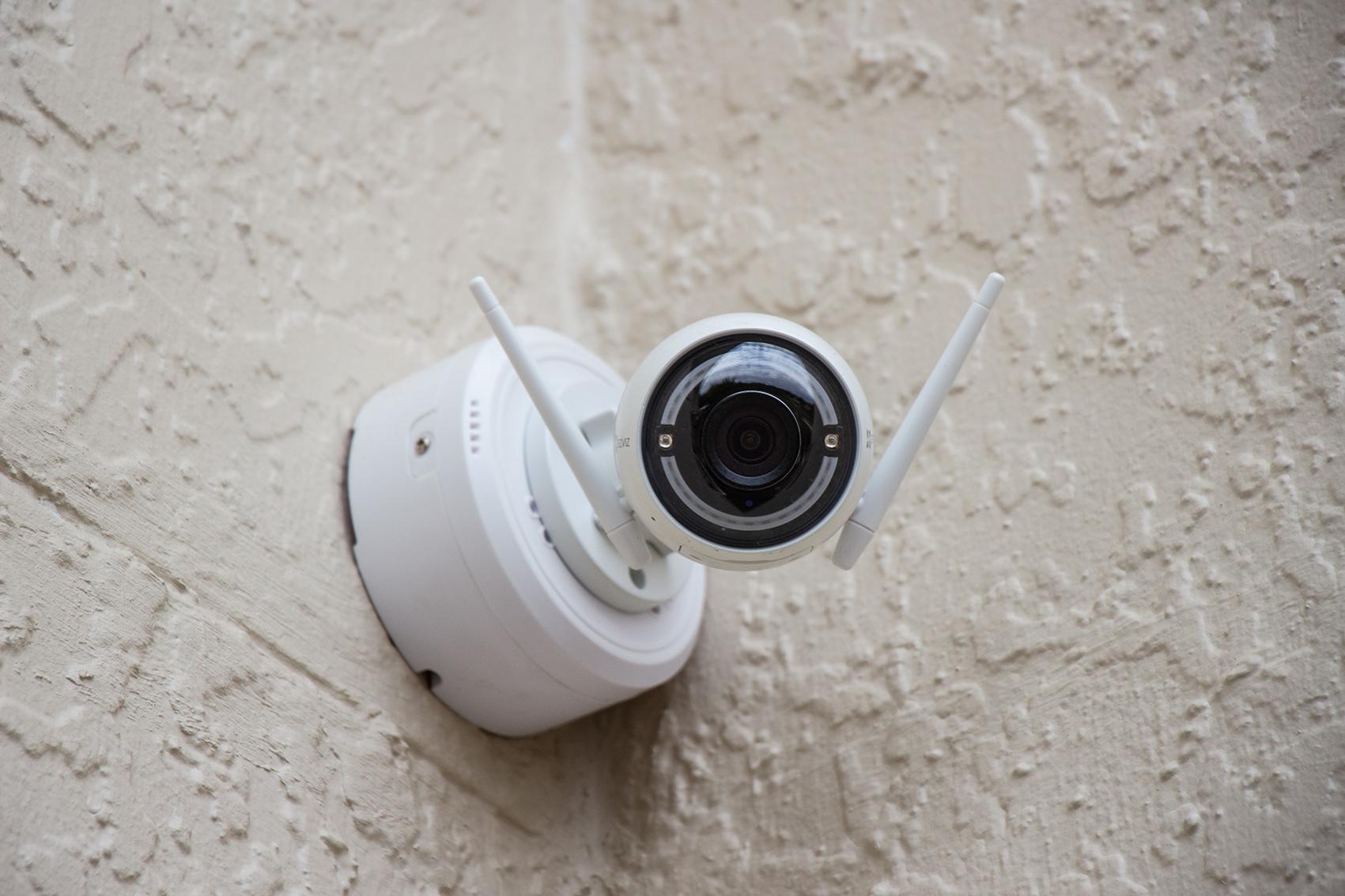 인공지능 얼굴 마스킹 서비스 - aiSee MASKING 영상 속 얼굴 마스킹 흐림효과 CCTV 영상정보처리기기 속 얼굴 인식 및 정보주체 외 비식별화 개인정보보호법 보안 목적 외 영상 비식별화를 통한 마케팅 활용 가능, aiSee MASKING, cometrue.ai